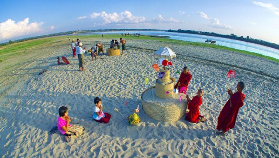 Sand Pagoda Festival