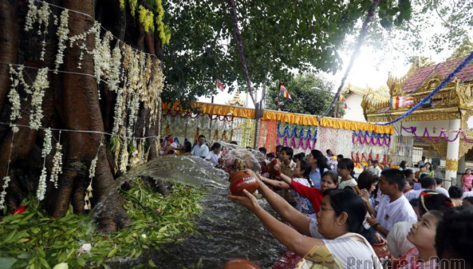 Kason Bo Tree Watering Festival